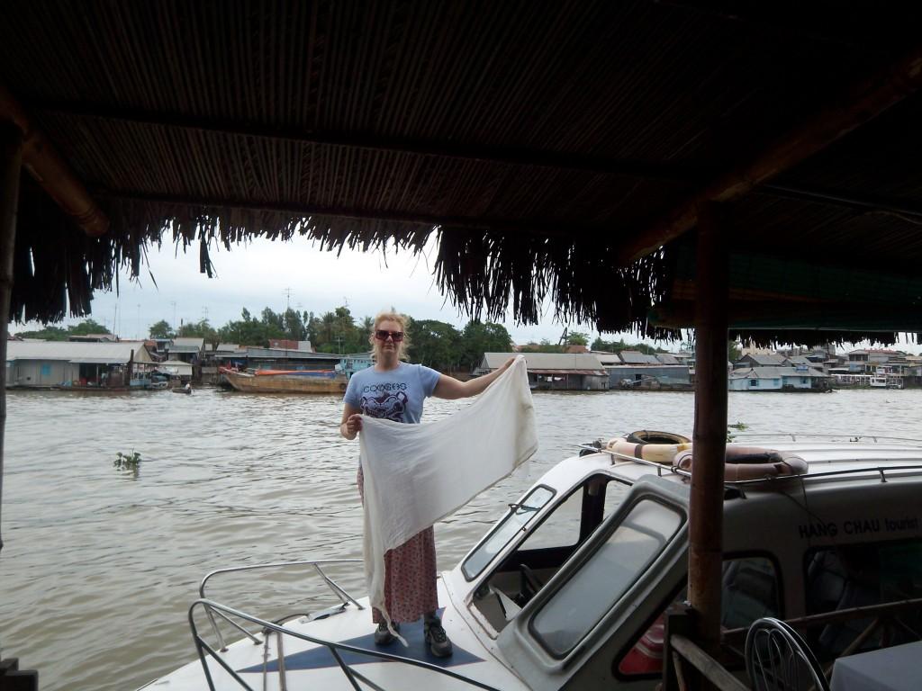 18658671-mekong_cambodia_marlene_&_fast_boat