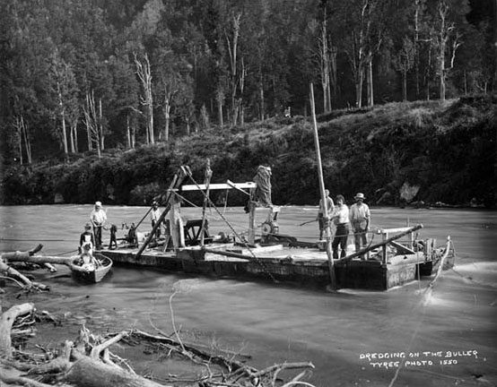 1 Boating on the Buller 1850s